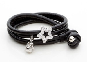 Nice leather bracelet with diamonds